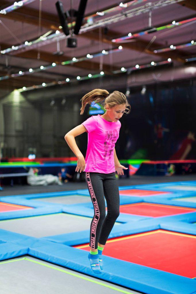 Foam Pitiin eli vaahtomuovimonttuun voi hyppiä monelta eri tasolta.