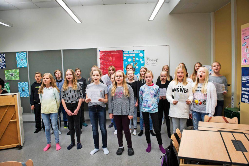 Musapainotteiselta luokalta laulaminen sujuu vaivatta.