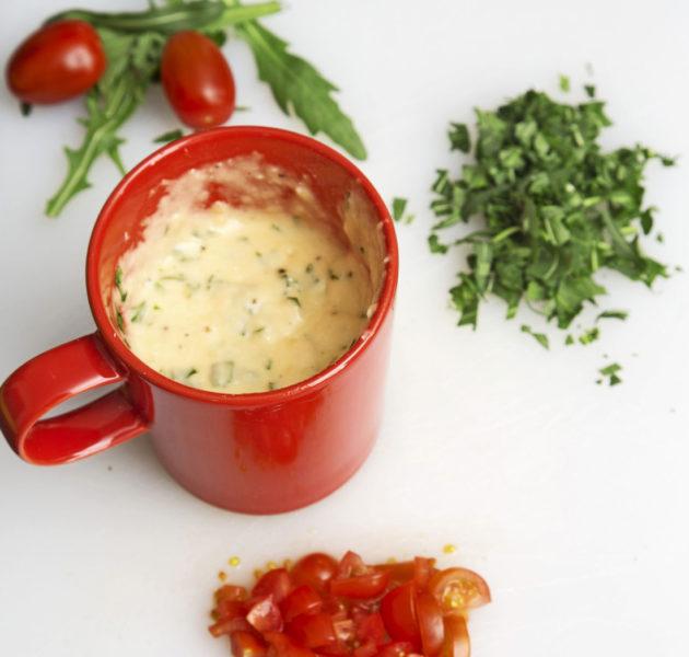Mukikakku rucolalla ja parmesaanilla sopii myös kasvissyöjälle.
