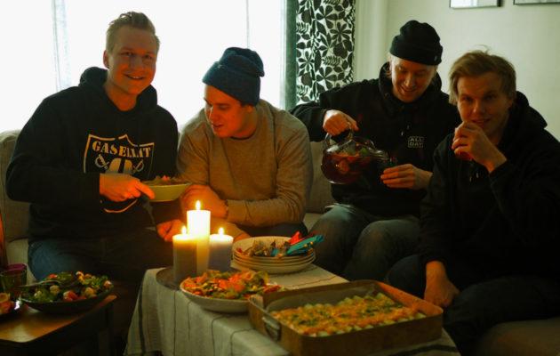 Räp-yhtye gasellit osallistuu Earth Houriin sammuttamalla valot ja nauttimalla kasvisruokaa.