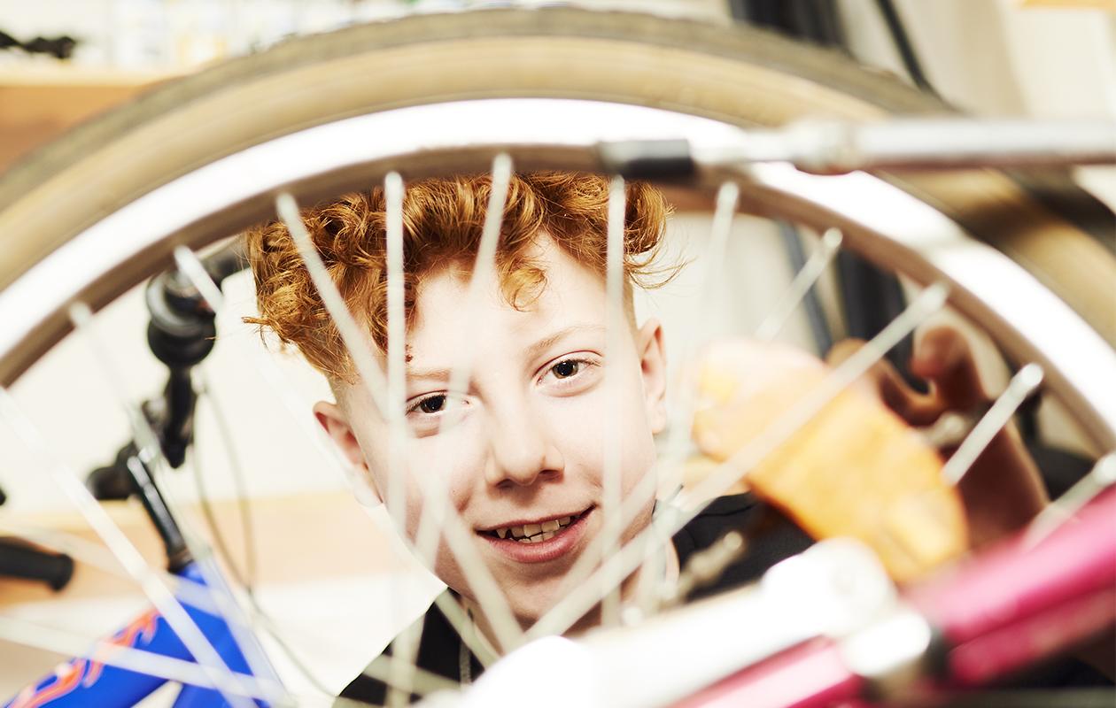 Tamperelainen Vili oli 14-vuotias, kun hän loi itselleen kesätyön pyörien kunnostamisesta. Kesätyöstä tulikin oikea työpaikka.
