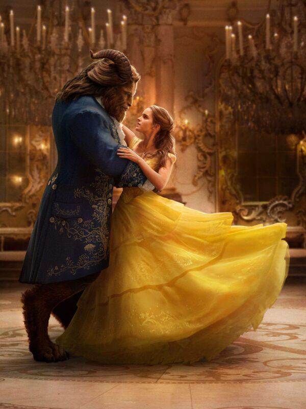 Emma Watson halusi Bellen kuuluisasta tanssiaispuvusta mahdollisimman ilmavan, jotta se liikkuisi kauniisti tanssin mukana.